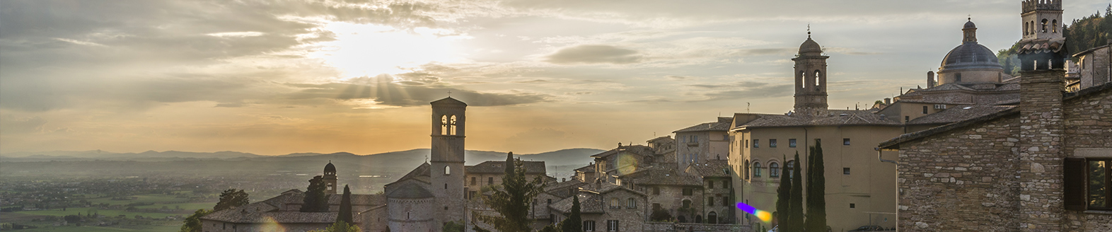 Get amazed with a sunset over Assisi with a Grayline Rome tour directly from Rome
